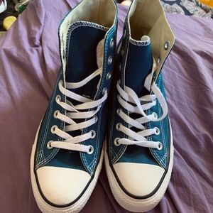 Converse Shoes - Hightop Converse